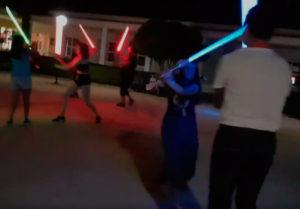 combate espadas laser